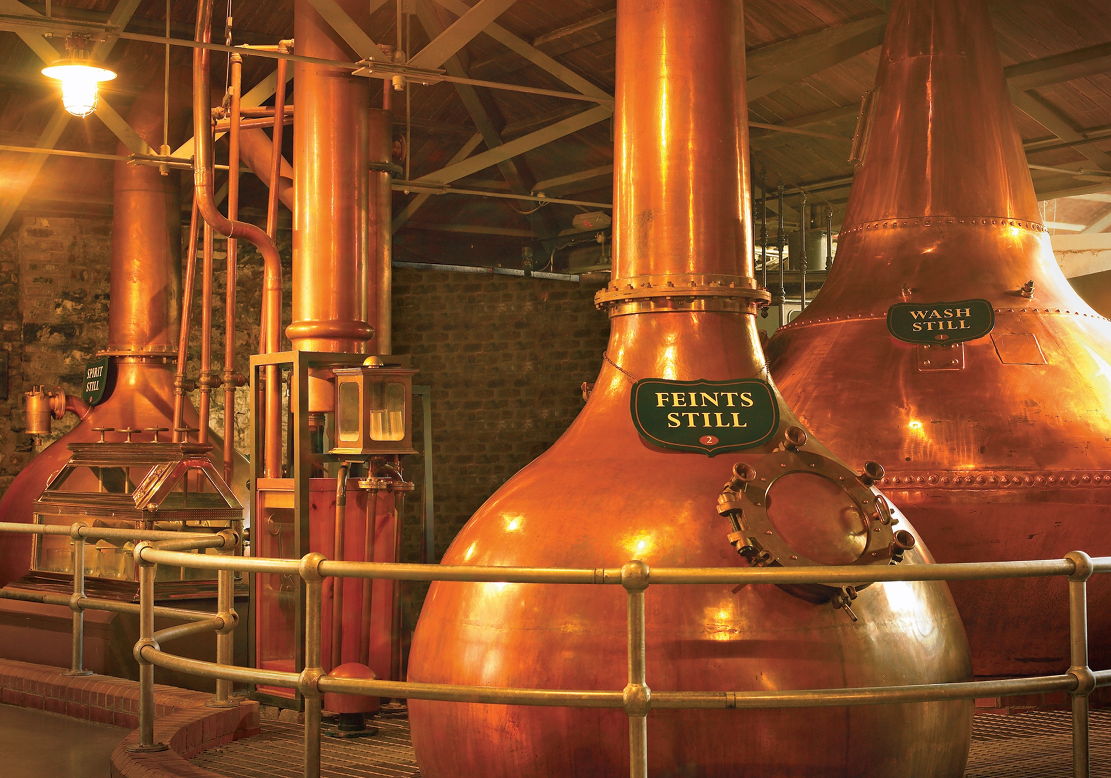 How to Choose the Right Distillery Equipment - Featured Image